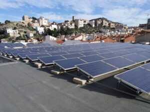 Las placas solares del edificio CIMA, en marcha